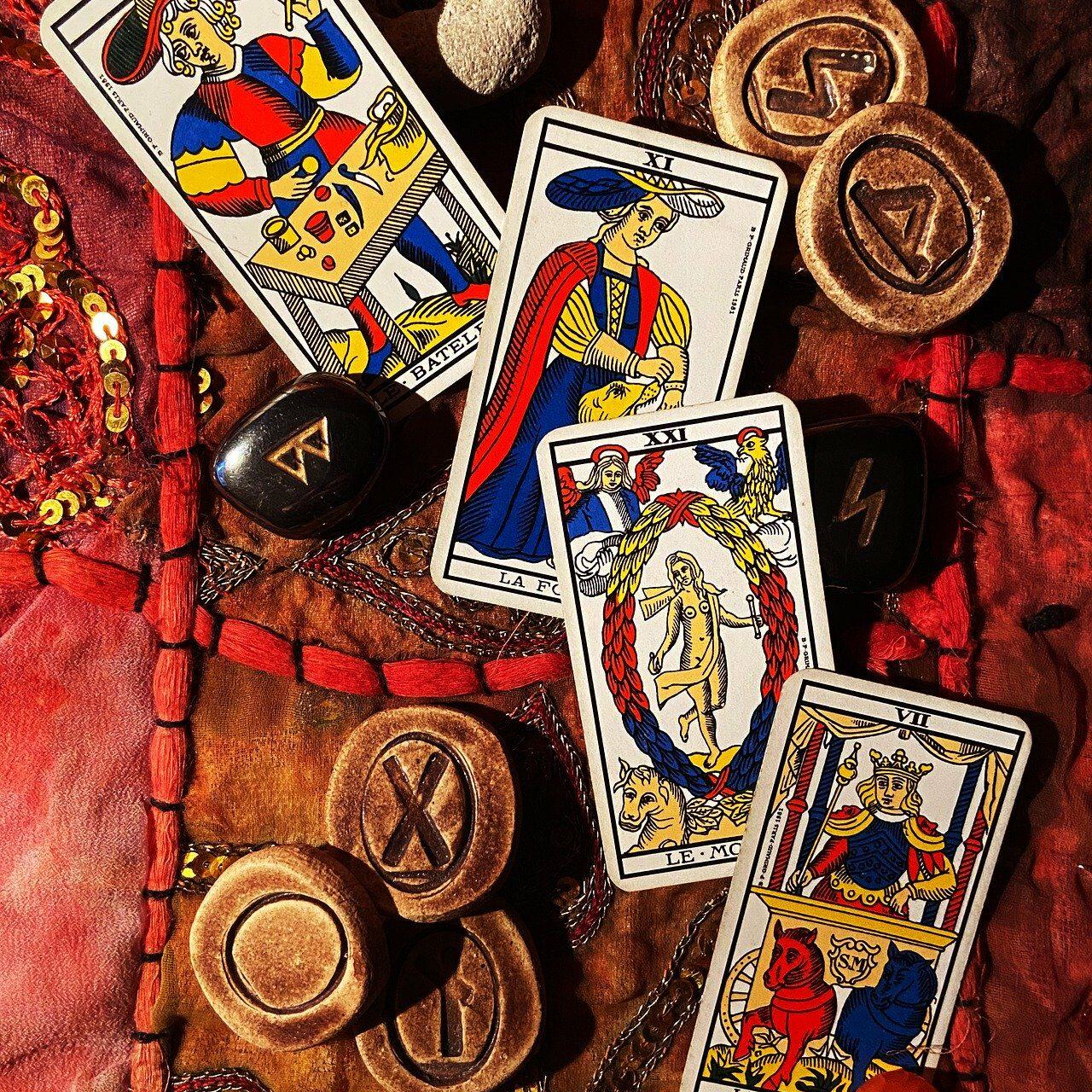 cards-4843641_1920